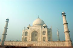 Taj Mahal in mattina nebbiosa Immagine Stock Libera da Diritti