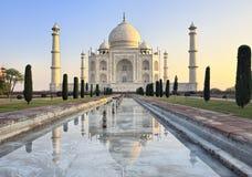 Taj Mahal no nascer do sol imagem de stock royalty free