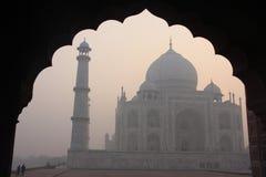 Taj Mahal på soluppgången, Agra, Indien Royaltyfri Bild