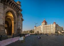 Taj Mahal Palace Hotel e l'ingresso dell'India Immagini Stock