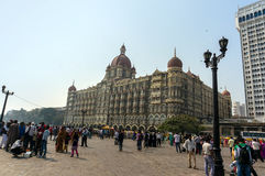 Taj Mahal Palace Hotel es un hotel de lujo de cinco estrellas situado cerca de la entrada de la India Imagen de archivo libre de regalías