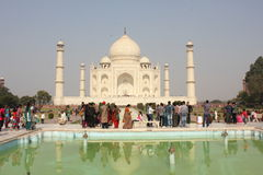 The Taj Mahal, people and water Royalty Free Stock Photos