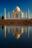 Taj Mahal riflesso in fiume Immagini Stock Libere da Diritti