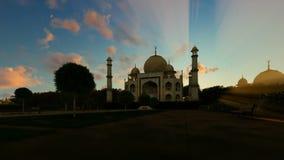 Taj Mahal, schöner timelapse Sonnenaufgang, Zoom heraus vektor abbildung