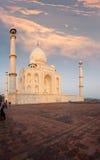 Taj Mahal strony wschodu słońca Ognisty niebo zdjęcia royalty free
