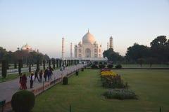 Taj Mahal At Sunrise, Agra, Indien lizenzfreies stockfoto