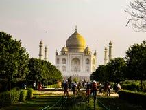 Taj Mahal tijdens de tijd van zonsondergang stock foto