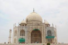 Taj Mahal under renovering, Agra, Indien Arkivbilder