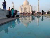 Taj Mahal vattenskugga royaltyfria bilder