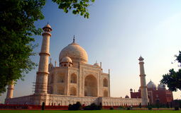 Taj Mahal von der südwestlichen Seite stockfotografie