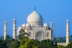 Taj Mahal von weitem lizenzfreie stockbilder
