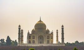 Taj Mahal - vue de jardin photos libres de droits