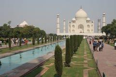 Taj Mahal y jardines Foto de archivo libre de regalías