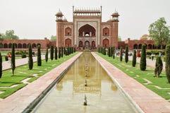 Taj Mahal-Zugang in Agra, Indien Stockbilder