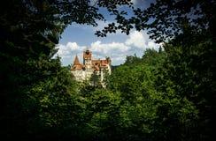 Tajemniczy antyczny otręby kasztel Wampir siedziba Dracula w lasach Rumunia zdjęcie royalty free