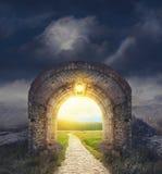Tajemniczy bramy wejście Nowy życie lub początkujący pojęcie fotografia royalty free