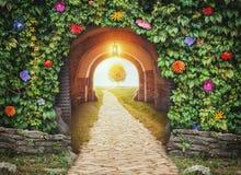 Tajemniczy bramy wejście w raju nowego życia zdjęcia stock