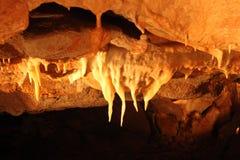 Tajemniczy Caverns 9 - soplenowie i stalagmity - zdjęcie royalty free