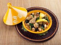Tajine,与柠檬confit的摩洛哥鸡 免版税库存图片