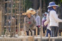 TAJLANDIA CHIANG RAJA budowy kobiet pracownik Obrazy Royalty Free