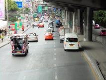 Tajlandia: Elastyczni ruchów drogowych warunki na sześć pasów ruchu stre Zdjęcia Royalty Free