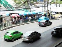 Tajlandia: Elastyczni ruchów drogowych warunki na sześć pasów ruchu stre Obraz Royalty Free