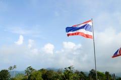 Tajlandia flaga na nieba tle obrazy royalty free