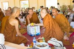 Tajlandia ludzie uczestniczą w rocznej robi ceremonii Fotografia Stock