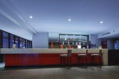 TAJLANDIA, MAJ - 4: Biznesu kontuaru krzesło dla klienta ponownego i bar Obraz Royalty Free