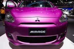 Purpurowy Mitsubishi miraż na pokazie Obraz Stock