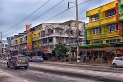 Tajlandia, Pattaya, 27,06,2017 Evening ulic i samochody na ro, Zdjęcie Stock
