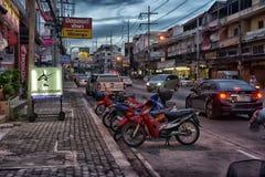 Tajlandia, Pattaya, 27,06,2017 Evening ulic i samochody na ro, Obraz Stock