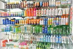 Tajlandia, Pattaya, 27,06,2017 słońce ochrony produktów w sto zdjęcia stock