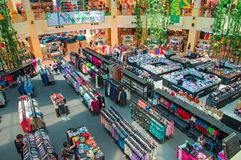 TAJLANDIA, PHUKET, MARZEC 23, 2018 - handlować sala wielki centrum handlowe Odgórny widok fotografia stock