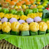 Tajlandzcy cukierki lub Khan Thai, unikalnego, kolorowego pojawienie, Fotografia Royalty Free