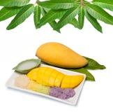 Tajlandzcy deserowi słodcy kleiści ryż z mangowym i kokosowym mlekiem Fotografia Stock