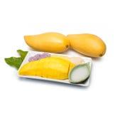 Tajlandzcy deserowi słodcy kleiści ryż z mangowym i kokosowym mlekiem Zdjęcia Royalty Free