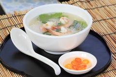 Tajlandzcy gotowani ryż z garnelą Zdjęcia Royalty Free