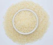 Tajlandzcy jaśminowi ryż na białym tle Zdjęcia Stock
