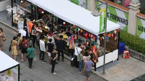 Tajlandzcy ludzie, cudzoziemscy podróżnicy i zbiory wideo
