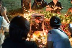 Tajlandzcy ludzie rozpaczają nad upadkiem królewiątko Rama9 Obrazy Royalty Free