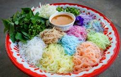 Tajlandzcy ryżowi wermiszel kluski kolorowi obraz stock