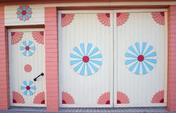 Tajlandzcy stylowi antyczni drewniani okno zdjęcie royalty free