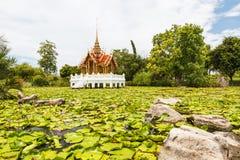 Tajlandzka świątynia na wodzie Fotografia Royalty Free