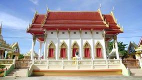 Tajlandzka świątynia w słonecznym dniu w Tajlandia zbiory wideo