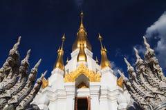 Tajlandzka świątynia, Wat tham kuha sawan Zdjęcie Royalty Free