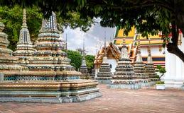 Tajlandzka architektura w Wata Pho jawnej świątyni w Bangkok, Tajlandia Fotografia Royalty Free
