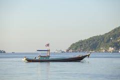 Tajlandzka drewniana łódź w koh Tao najwięcej popularnego podróżnego miejsca przeznaczenia s zdjęcia royalty free