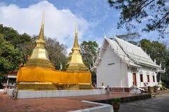 Tajlandzka pagoda w Doi Dzwonił, Chiangmai prowincja, Tajlandia zdjęcie royalty free