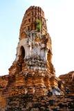 Tajlandzka stupa przy Watem Mahathat, Ayutthaya, Tajlandia Grudzień 2018 zdjęcia stock